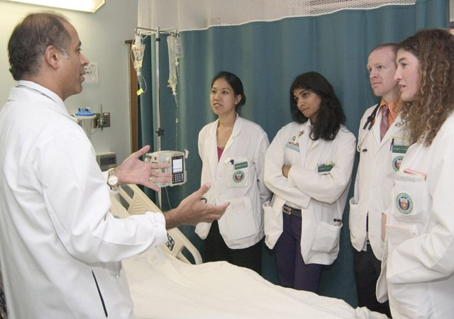 Dr. Abraham Verghese, author of 'Cutting for Stone',  with medical students