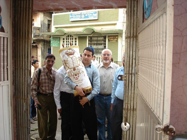 Presenting a gift of Sefrei Torahs to the Beth El Synagogue in Panvel