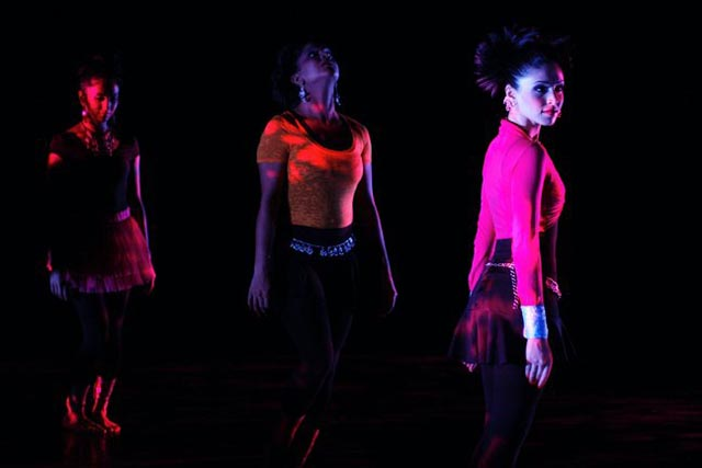 The Sa Dancers perform contemporary dance