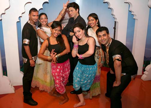 Bollywood Axion dancers with Shah Rukh Khan immortalized in wax at Madame Tussauds