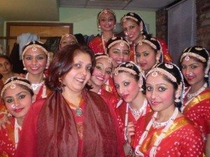 Swati Vaishnav with students from Nartan Rang Dance School, teaches them Garba