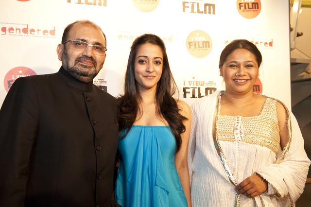 Vinay Shukla, Raima Sen and Myna Mukherjee at Engendered's I-View Festival