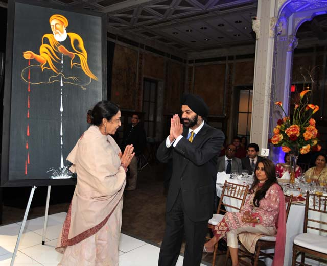 Noted artist Arpana Caur with Ajay Banga, CEO of MasterCard. Her painting Sacha Sauda fetched $16,000 in auction.