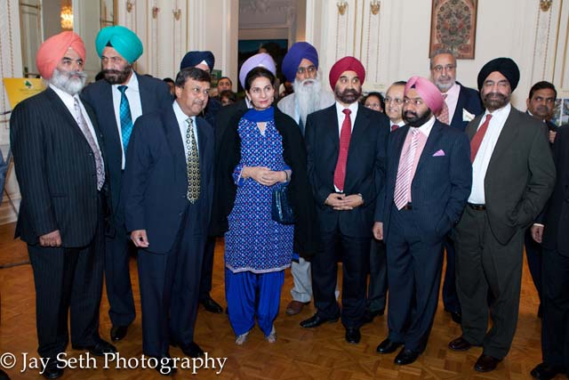 (2nd from left) Hon. Tarlochan Singh, Ambassador Prabhu Dayal, Minister of State for External Affairs Preneet Kaur, Tejinder Singh Bindra, Padamshree Vikramjit Singh Sahney with guests.