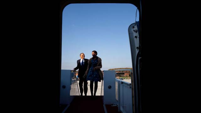 President Obama and First Lady Michelle Obama on their way to India