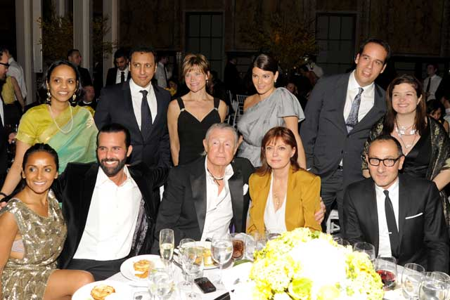 Guest, Aasif Mandvi, Annika Ahlstrof, Gail Simmons, Guest, Guest, Bonnie Takhar, Charlie Corwin, Joel T. Schumacher, Susan Sarandon, Gilles Mendel at the gala for EFA which is co-founded by Dr. Seckin and Padma Lakshmi – Liam McMullan/Patrick McMullan Company