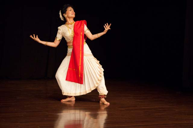 Indian classical dancer Maya Kulkarni