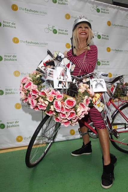 Tour de fashion - Betsey Johnson