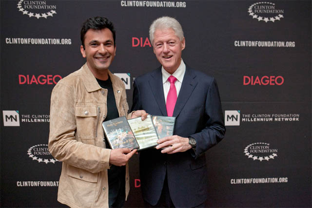 Vikas Khanna with President Clinton