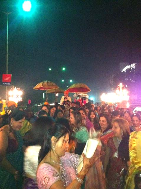 Over 5000 guests at a wedding in Mumbai
