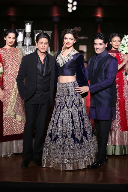 SRK, Deepika Pudokone and Manish Malhotra