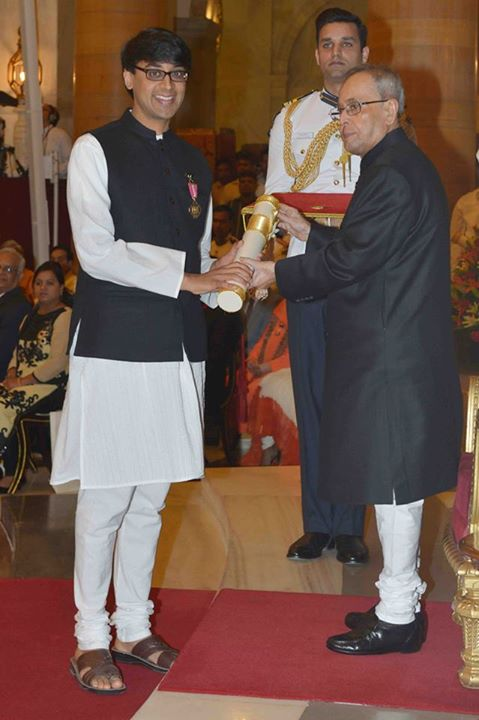Manjul receiving the Padma Bhushan