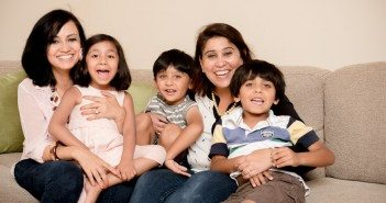 Shweta Chopra & Shuchi Mehta with their children