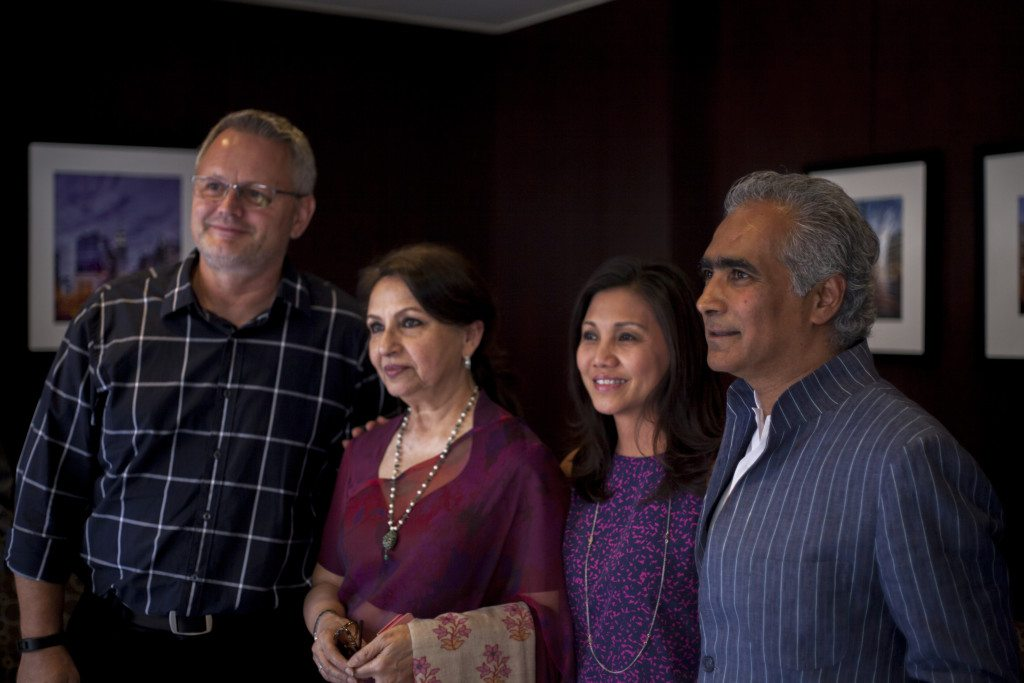 Steve Connor [Hewlett-Packard] and Esther Setiadi Connor with Sharmila Tagore & Sundaram Tagore