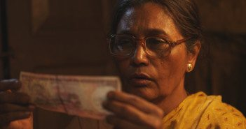 Usha Naik in '1000 Rupee Note'